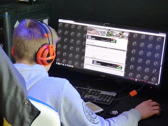 dospělí a online hry