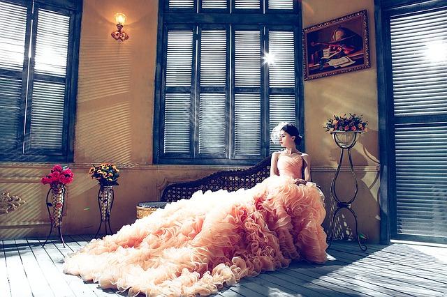 Svatební móda pro rok 2018