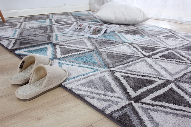 koberec s trojúhelníky
