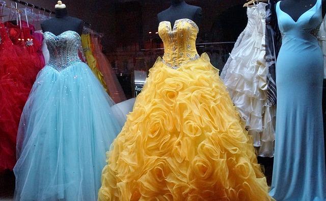 Navštivte půjčovnu plesových šatů v Praze