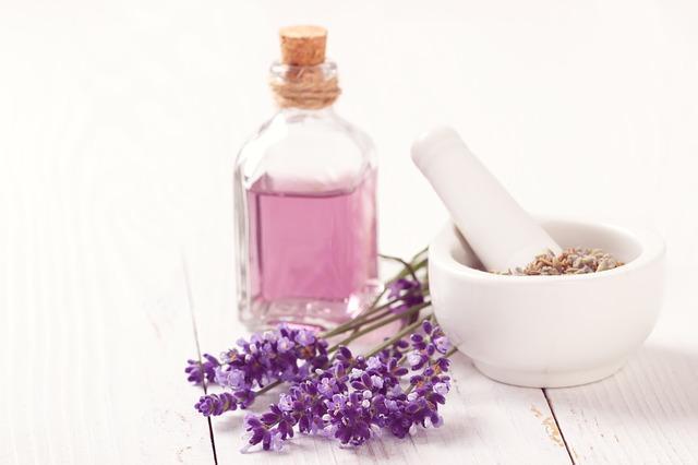 Parfém, vhodný dárek pro každého